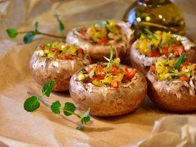 Recept šampióny plnené cuketou a brokolicou